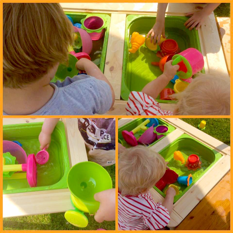 Kinderen spelen buiten kinderopvang Huize Roezemoes