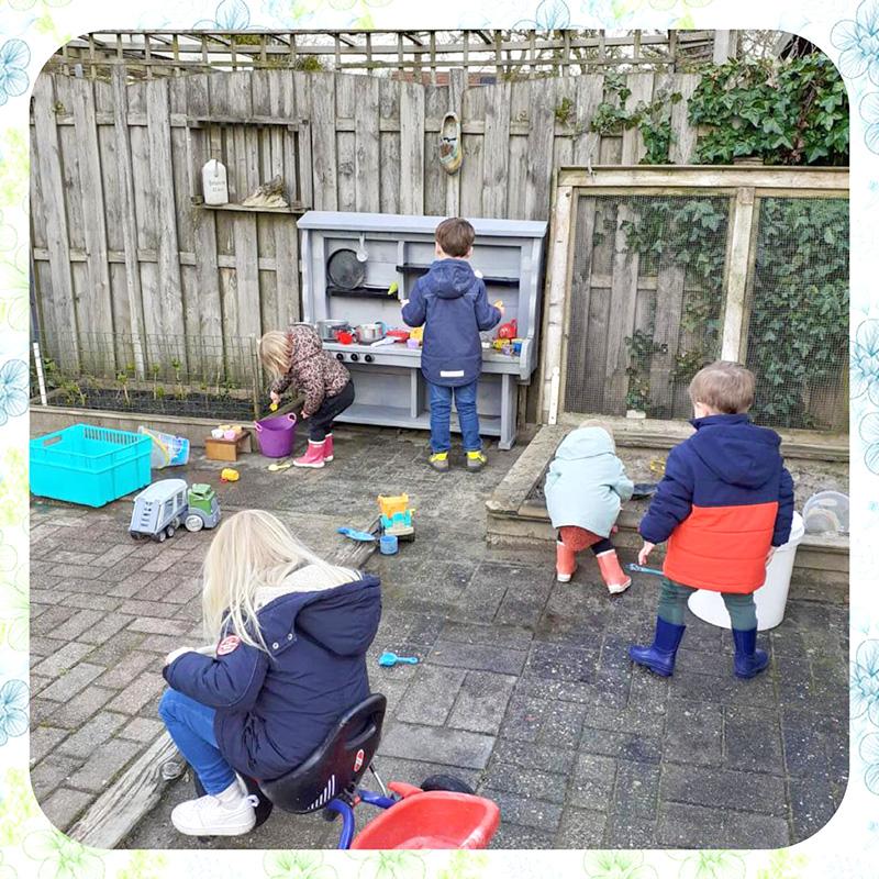 Kinderopvang Uk gastouderopvang Noordhorn buiten spelen
