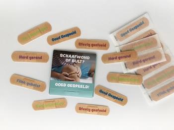 Cadeau gastouders: pleisters Goed Gespeeld tijdens Gezonde Leefstijl training